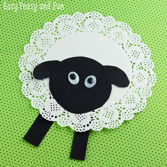 Adorable sheep craft made with a doily, cute preschool spring craft!: