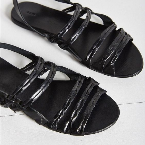 Black flats Cute urban sandals size 9 in black and brown's are size 8h Encote Shoes Flats & Loafers