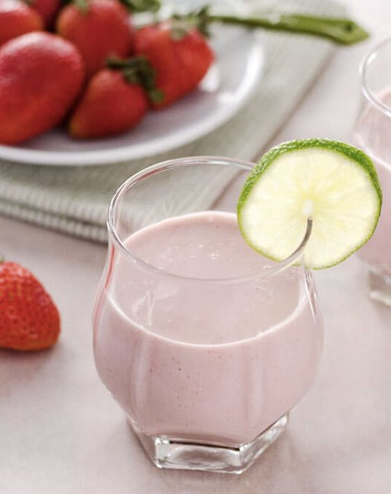 Paleo Strawberry Coconut Smoothie