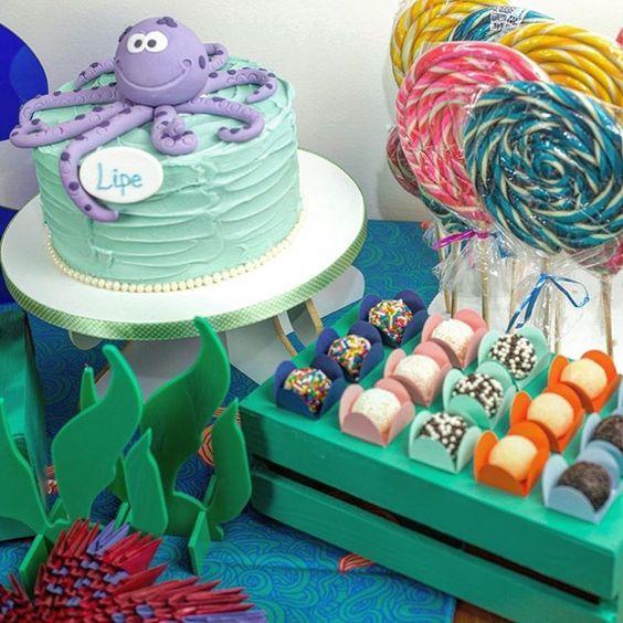 Kit de bolo e docinhos tema Fundo do Mar para @festeirice  No site www.festeirice.com.br você faz a locação de temas bem fofos para decorar o aniversario do seu filho e pode comprar os kits da Piece of Cake!