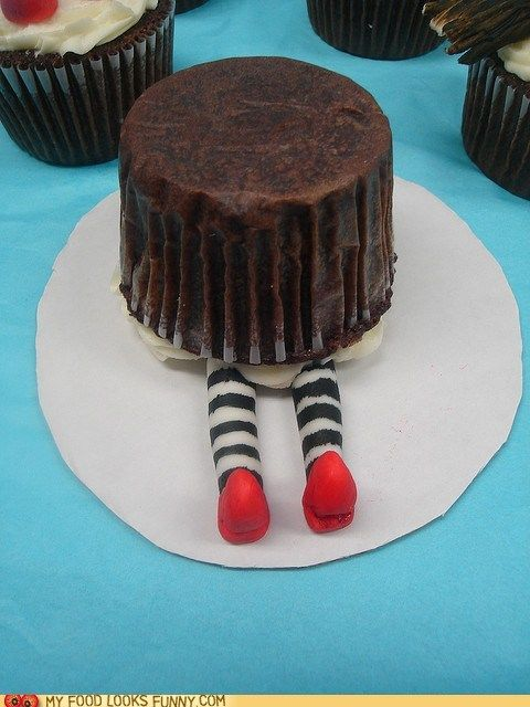 For your next Hollywood party: Wicked Cupcake, East Cupcake, Party Idea, Cup Cake, Wicked Witch, Witch Cupcake, Wizard Of Oz, Cupcake Idea, Oz Cupcakes
