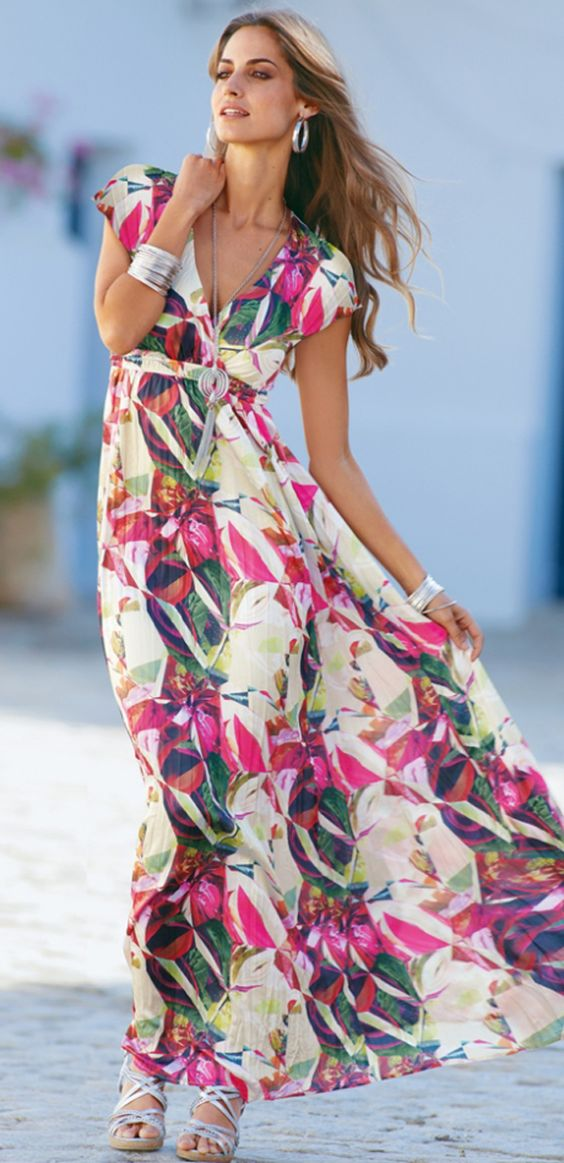 Plus size boho chic for women over 40 or 50 - baby boomers at http://boomerinas.com/2012/07/boho-chic-hippie-clothes-plus-size-maxi-dresses/: