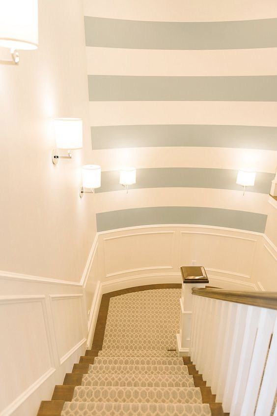 Striped wall for stair well