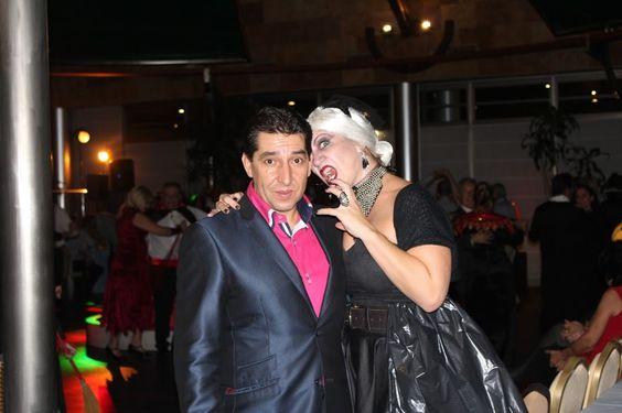 El director del hotel José Carlos Prado y Susana Trives de marketing en la fiesta de Halloween del Hotel Villamadrid: Google+