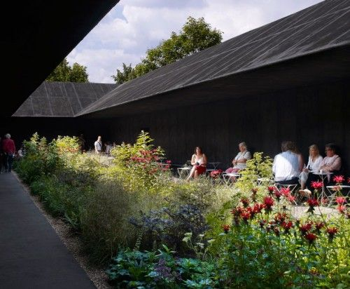 Serpentine gallery hortus conclusus by peter zumthor and for Piet oudolf serpentine gallery