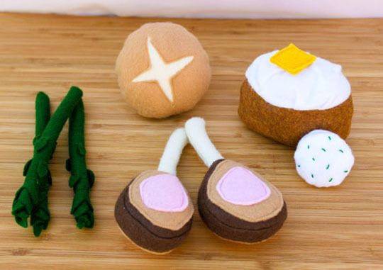 More cute play kitchen food