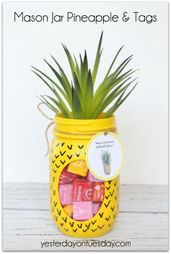 Transform a plain mason jar into a fun pineapple candy jar. FREE printable tags!