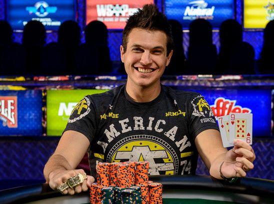 """Para não ficar sem polêmicas, relembramos as declarações de Doug """"WCGRider"""" Polk, que disse em entrevista que a maioria dos jogadores de poker ao vivo não tem capacidade para vencer no online."""