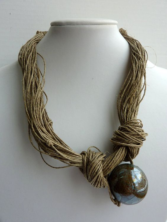 Jewerly Linen Necklace  Blue  Brown Natural Ceramic par Cynamonn, $40.00: