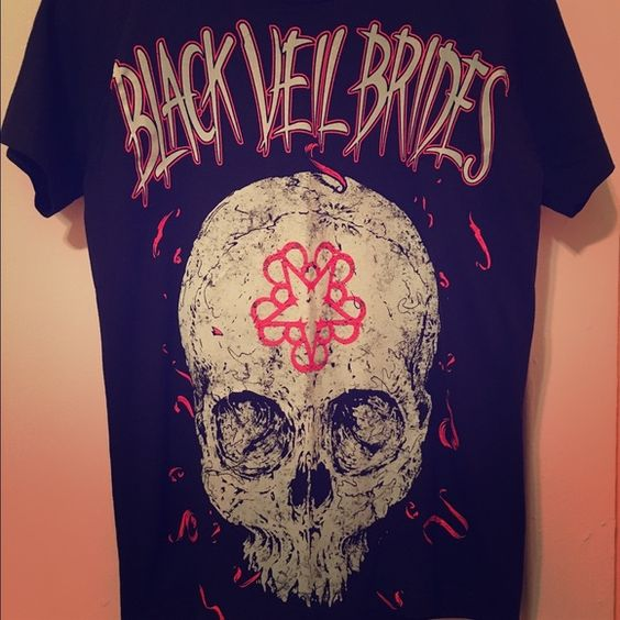 Black Veil Brides Tee Skull Design (more of a Small) Hot Topic Tops Tees - Short Sleeve