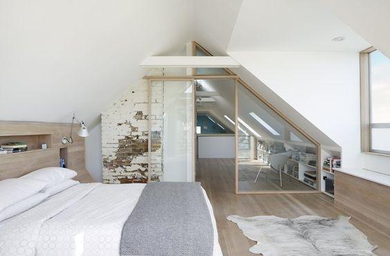 une jolie cloison vitr e s pare le dressing de la chambre. Black Bedroom Furniture Sets. Home Design Ideas