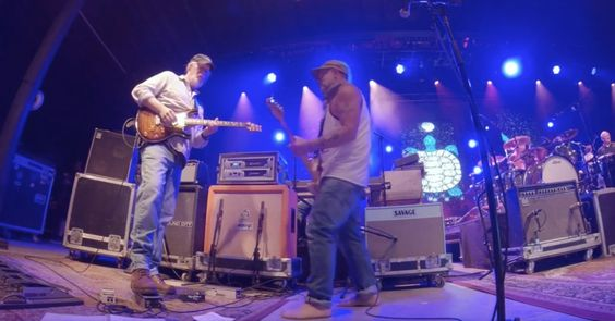 """Watch Pro-footage of Widespread Panic and Jerry Joseph's Searing """"Cortez the Killer"""" from Oregon"""