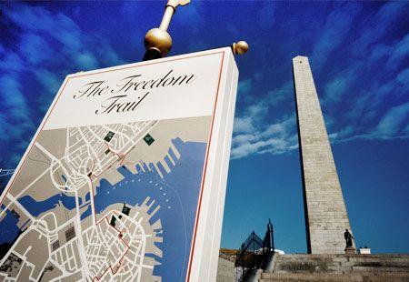 Freedom Trail map & Bunker Hill monument, Boston (© adam eastland/Alamy)