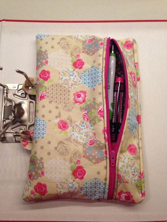 Stifteeinsatz für Ordner. So hat man das Federmäppchen immer dabei:-) Pencil case DIY Sewing Selbst genäht
