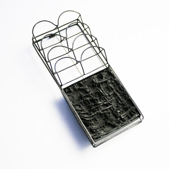 Carme Roher - Brooch.Silver and resin:
