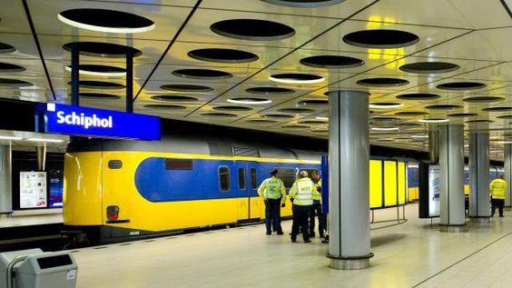 Minder treinen bij Schiphol door defecte spoorbrug  (20-10-2015 )