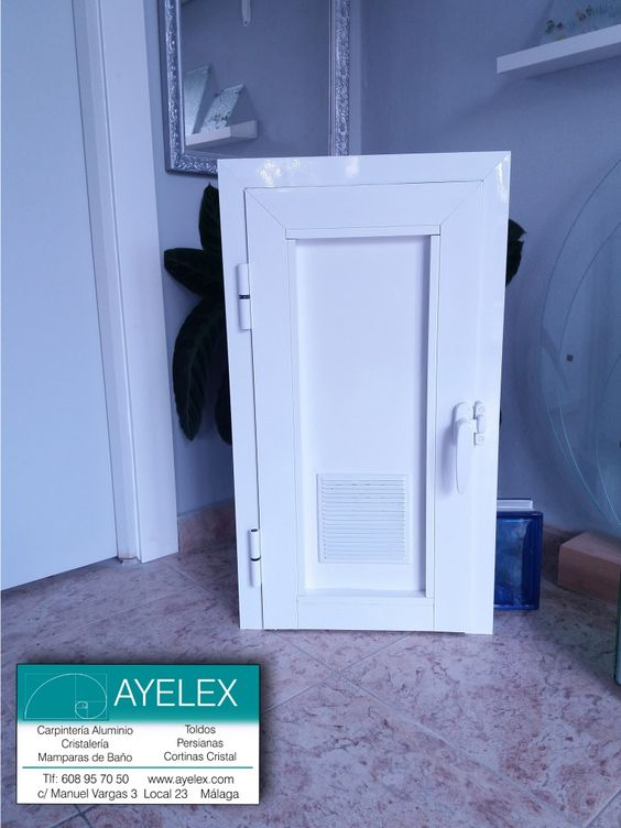 Peque a puerta abatible aluminio blanco serie 40 40 con - Rejillas ventilacion aluminio ...