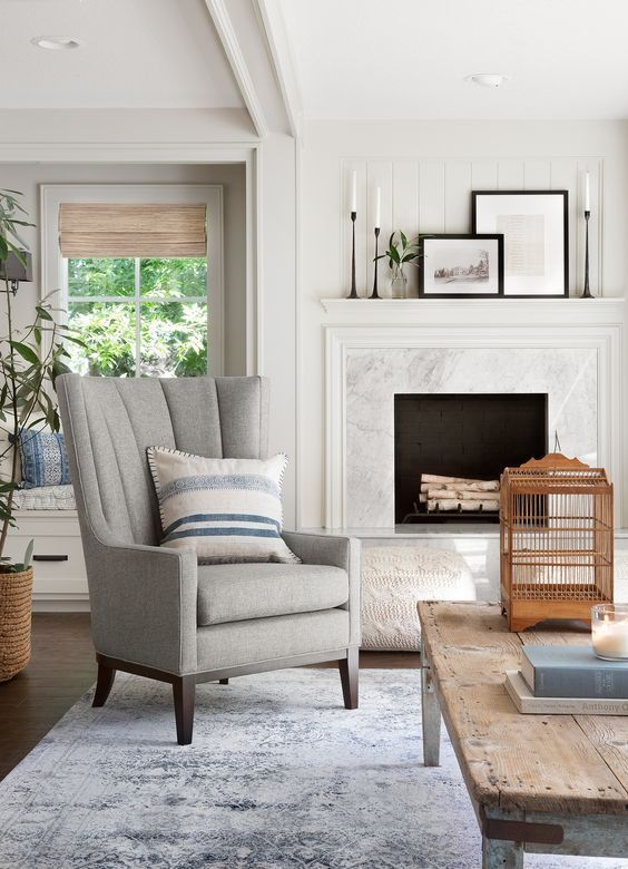 10 Best Living Rooms By Joanna Gaines In 2020 Joanna Gaines Living Room Living Room Renovation Fireplace Mantel