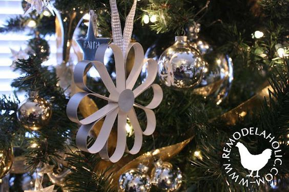 Remodelaholic » Blog Archive Paper Christmas Decorations, Day 1 » Remodelaholic