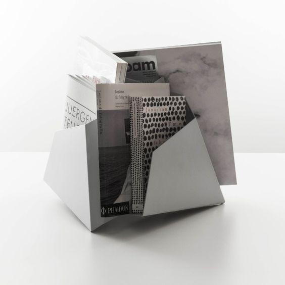 Danese Milano Triskelion Zeitschriftenständer Design Shop - Found4You