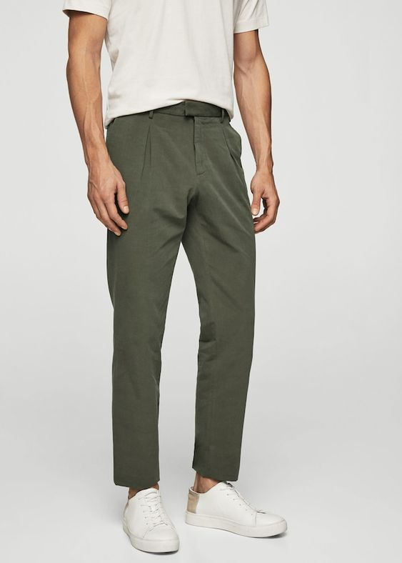 Pleated linen trousers