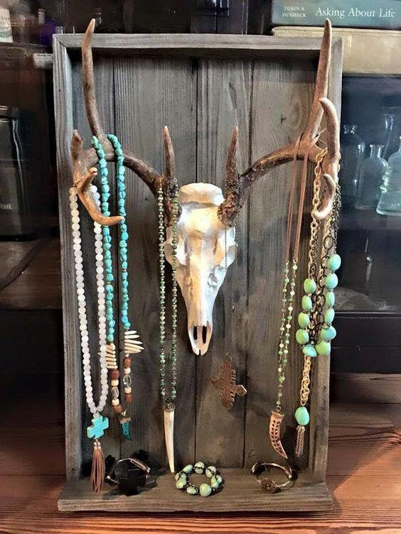 Lobve thaat rustic look? Here's a great way to show off your turquoise jewelry pieces. Cowgirls Untamed