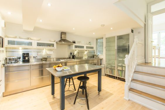 4 Beds House For Sale in Cranbury Road, SW6