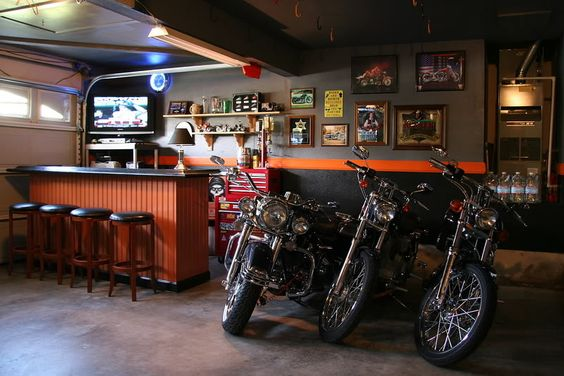 Garage makeover ideas harley garage decor the garage for Decoration garage