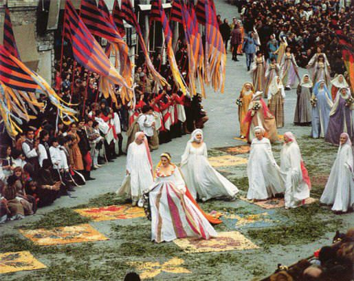 Lady Spring enters the city of Assisi during the parade of Calendimaggio (May Day).