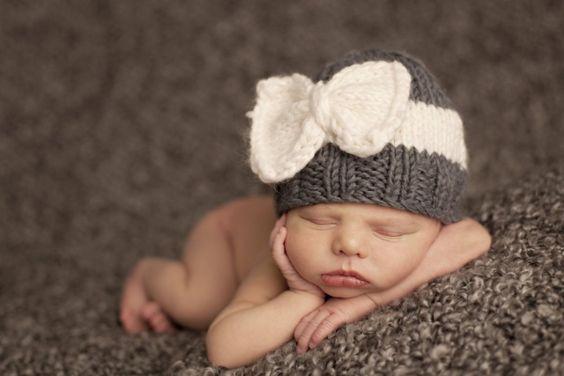 Sabrina Bow Hat in Grey/Cream.