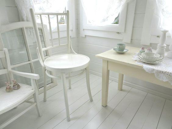 •♡•  Alter Stuhl, Bugholzstuhl  •♡• von Weidenröschen auf DaWanda.com