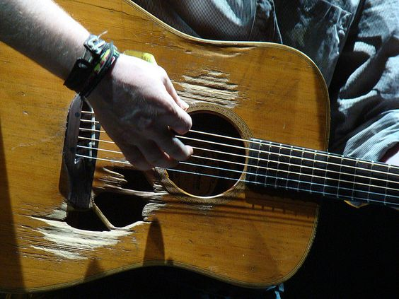 I LOVE this guitar and the music that sings from it, thanks to Glen Hansard.