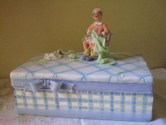 Vovó tricotando- by www.devienne.com.br