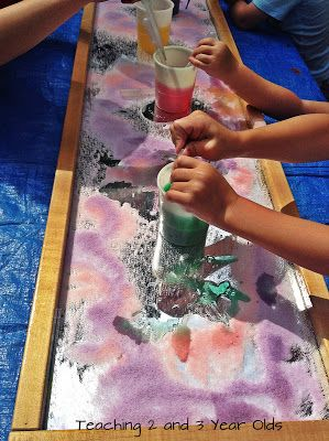 Teaching 2 and 3 Year Olds: Using Mirrors to Explore Light and Color #Outdoors