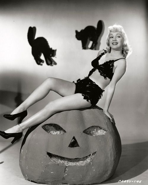 vintage halloween on Pinterest | Vintage Witch, Witches and Nancy ...