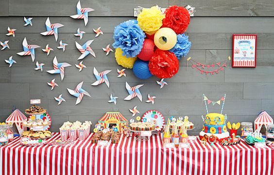 Sweet table thème cirque pour l'anniversaire de Calixte et Zadig ! Circus sweet table for kid birthday