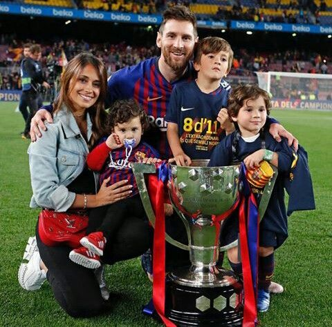 Pin by Aditya Ghodke on messi | Lionel messi family, Lionel messi, Lionel  andrés messi