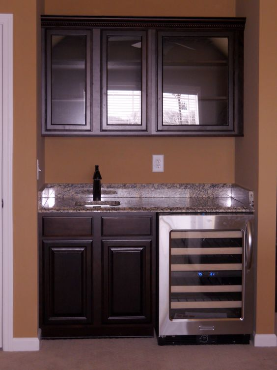 Simple wet bar about the right size for basement office for Basement wet bar plans