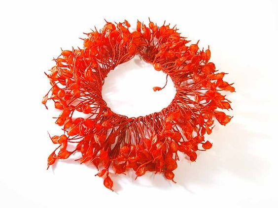Ana Hagopian - Necklace Anemona, made of recycled fibers