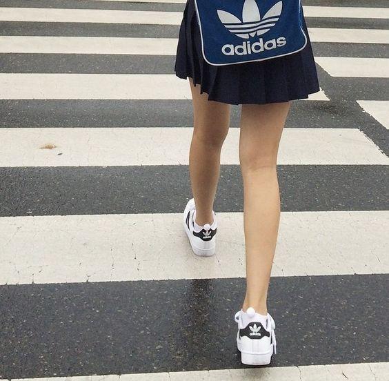 通学スニーカー