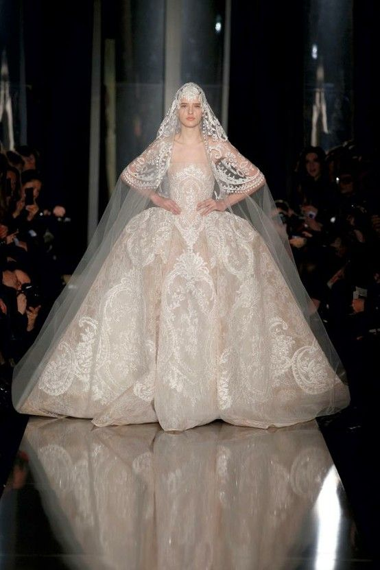 We loved Elie Saab's show at #PFW - #wedding inspiration galore! http://www.weddingandweddingflowers.co.uk/article.php?id=141