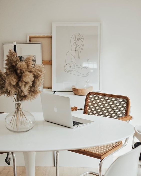 Peaceful workspace with dried flowers  #decoration #decorations #dried #Flowers #Peaceful #workspace