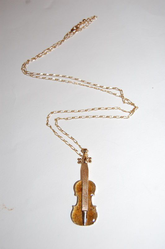 Very Special Violin Pendant on a Gold Chain Long Necklace (In Gift Pouch) Cute Quirky Kitsch Unique Fashion Jewellery gMq9ZkkAc