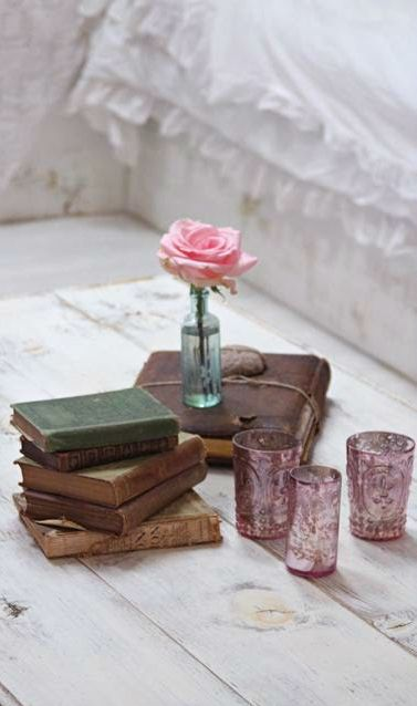 Cottage Decor ● vintage
