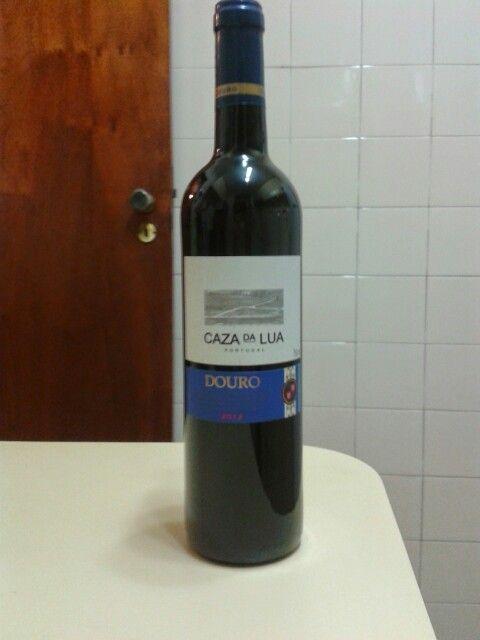 Vinho português tinto suave,  muito bom