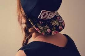 Resultado de imagem para caps obey para rapariga