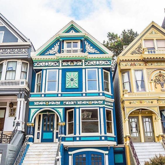 The city of San Francisco measures 7 miles long by 7 miles wide yet there are over 25 neighborhoods! How's a human to choose?! To help you out we ranked the top 5 neighborhoods according to Trulia's Live Well Index. (Drum roll please.) - Outer Sunset - Excelsior - Noe Valley - Golden Gate Park - Potrero Hill #AtHomeHere  @pacificunionrealestate __________________________________________________ Tap the link in our profile for your chance to win $1000 this week!