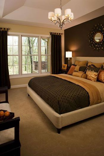 The room looks really elegant and well furnished Elegant master bedroom bedding