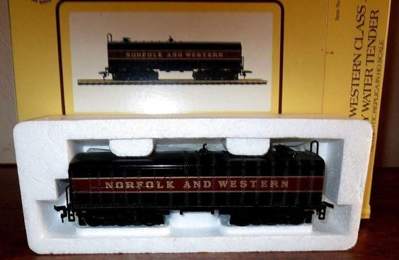 BACHMANN  HO NORFOLK AND WESTERN J CLASS AUXILIARY WATER TENDER--ITEM #43-1095A4 #Bachmann