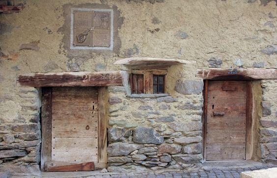 """casa nativa di Luigi CARREL """" il piccolo """" detto CARRELLINO  (guida alpina ) birthplace of Louis CARREL """"the little one"""" said CARRELLINO  (mountain guide) #cervino  #breuilcervinia #valtournenche #aostavalley"""